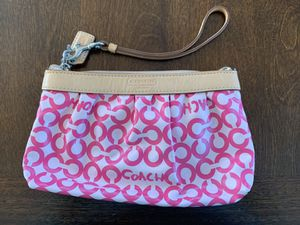 Pink Coach Wristlet for Sale in New Haven, CT