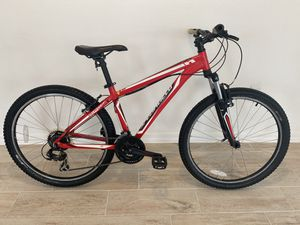 "Specialized Hardrock Mountain Bike. Size Small. 26"" tires for Sale in Davenport, FL"