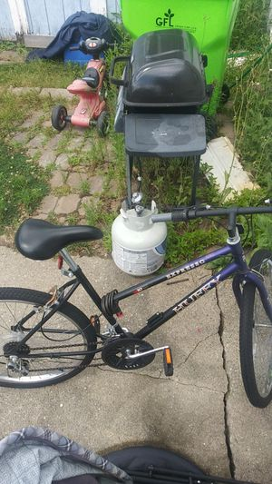 Huffy expresso mountain bike 10 speed for Sale in South Lyon, MI