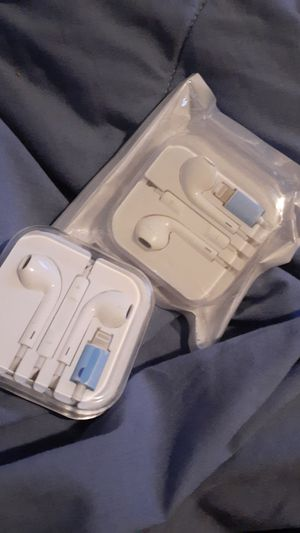 iPhone headphones for Sale in Brooklyn Park, MD