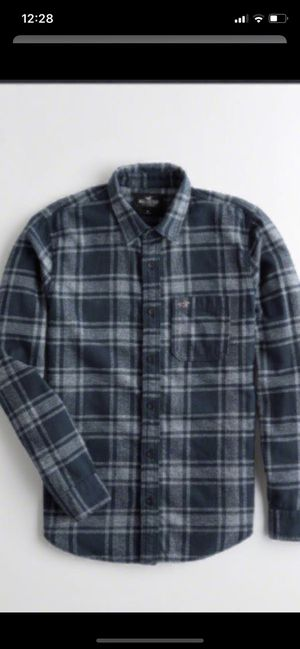 HOLLISTER BRAND NEW ... SIZE MEDIUM ONLY...$25 dlls ... PRICE IS FIRM/NO DELIVERY for Sale in Colton, CA
