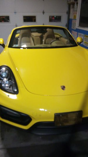 Porche booster like new for Sale in Newark, NJ