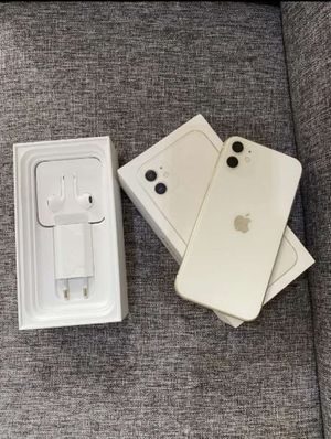 Apple IPhone 11 White for Sale in Clifton, VA