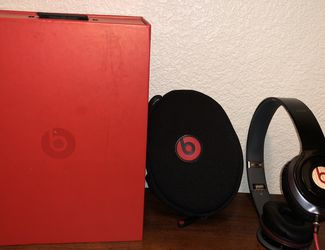 Beats By Dr. Dre Solo HD On Ear Headphones-slightly Used, Excellent Condition for Sale in Temecula,  CA