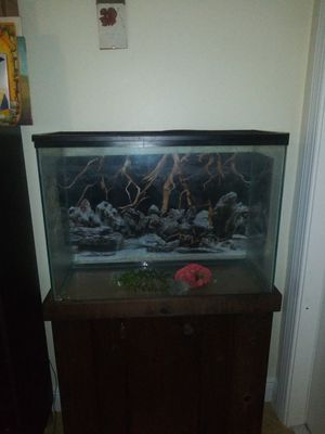 Fish tank for Sale in Pompano Beach, FL