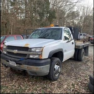 Duramax Flatebed plow truck for Sale in Fredericksburg, VA
