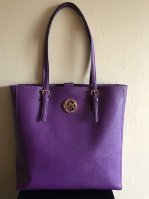 Michael Kors MK Jet Set Travel Medium Tote Bag Saffiano Leather Purple for Sale in Fresno, CA