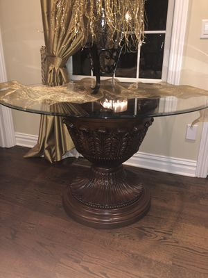 Small round glass top table/can be used as kitchen or foyer table for Sale in Plainfield, NJ