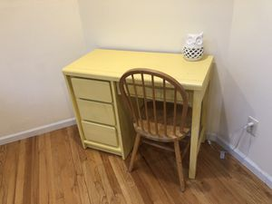 Small Desk for Sale in Livingston, NJ