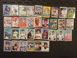 Vintage 1990's baseball cards x33 for Sale in Seattle, WA