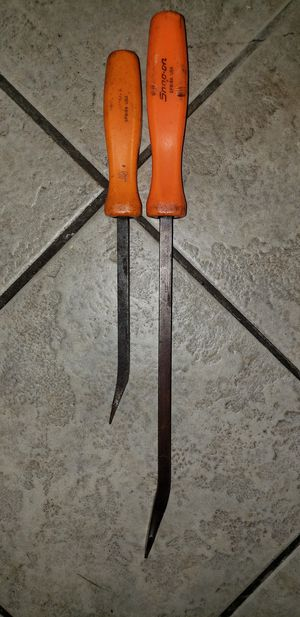 Snap on set of 2 prybars 2 medium ones for Sale in Los Angeles, CA