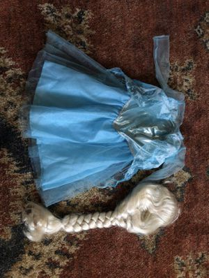 Elsa costume and wig size 3t -4t for Sale in New Britain, CT
