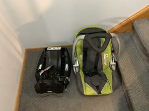 Car seat and stroller for Sale in Chicago, IL