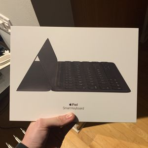 Apple iPad Smart Keyboard New Sealed MX3L2LL/A for Sale in Chicago, IL