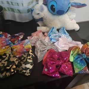 Jojo Bows(big And Small) for Sale in Roseville, MI