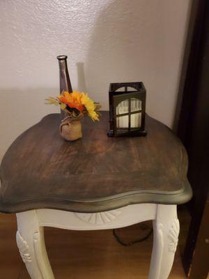 Country cottage side/end table 21in.tall,20in.wide,22in.deep for Sale in Clovis, CA
