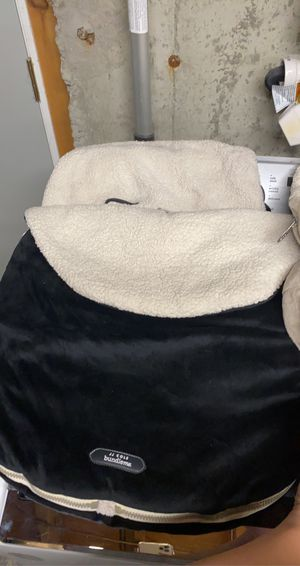 Car Seat Cozy (Bundle Me by JJ Cole) for Sale in Lynn, MA