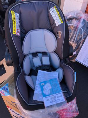 NEW Graco Snugride SnugLock DLX Infant Car Seat, Gallery for Sale in Garden Grove, CA