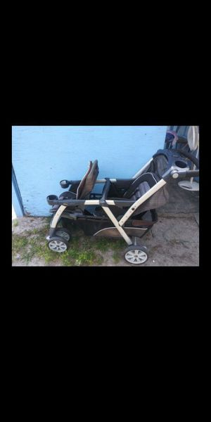 Chicco double stroller for Sale in Eatonville, FL