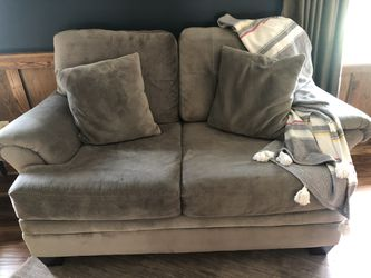 Couch/Loveseat for Sale in Circleville,  OH