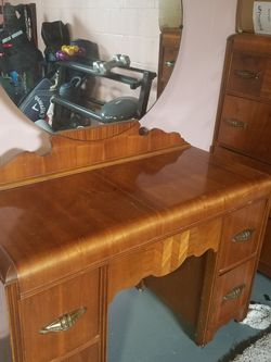 Antique Bedroom Set for Sale in Grove City,  OH
