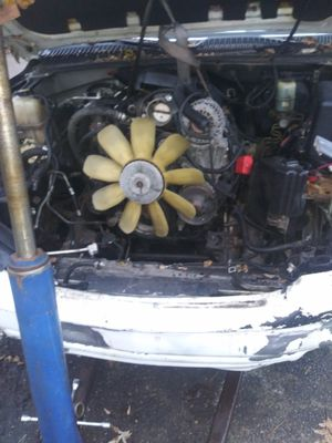 5.3 motor came out my 2000 yukon 136miles on it for Sale in Detroit, MI