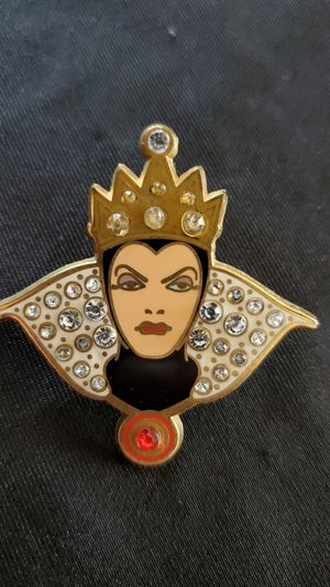 Snow White Evil Queen pin for Sale in Jamul, CA