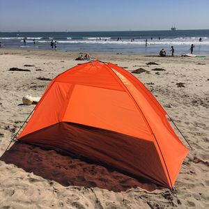 BRAND NEW IN BOX BEACH TENT HALF DOME $20 FIRM! for Sale in Los Angeles, CA