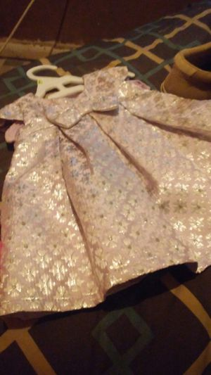 Lil. girl dress very pretty new for Sale in Clanton, AL