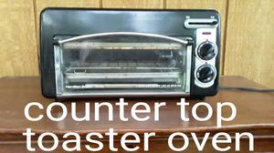 Compact countertop toaster oven with top load bagel feature too. for Sale in Mt. Juliet, TN