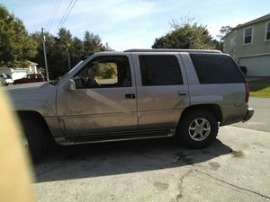 2000 Escalade 5.7 liter for Sale in Kissimmee, FL