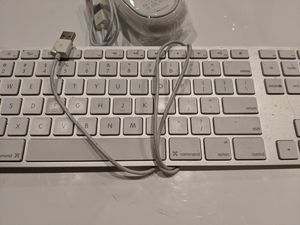 Apple keyboard, model # A1243 for Sale in Mountain View, CA
