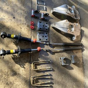 "3""/5"" Lowering Kit 2015-2020 Ford F150 V8 2wd MaxTrac for Sale in Bell Gardens, CA"