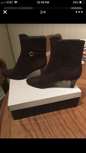 Booties size 7 for Sale in Miami, FL