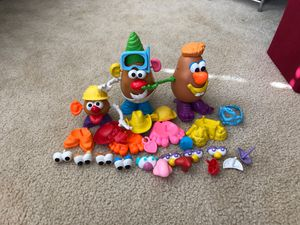 Mr. Potato Head, Mrs. and baby for Sale in Lake Alfred, FL