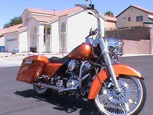 2004 HARLEY DAVIDSON ROAD KING BAGGER CUSTOM for Sale in Las Vegas, NV