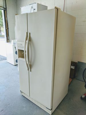Whirlpool Refrigerator in Great Working Condition - French Door - Delivery Available for Sale in Bluffdale, UT