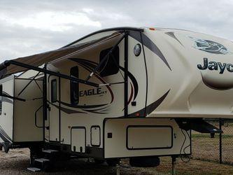 2016 Jayco Eagle HT 27.5 RLTS 31ft, 5th Wheel RV Camper Travel Trailer for Sale in Red Oak,  TX