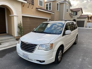 2011 Chrysler Town & Country Minivan for Sale in Ontario, CA