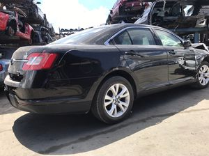2012 Ford Taurus for Parts. for Sale in Hialeah, FL