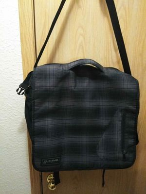 Large Dakine Messenger Bag for Sale in Milwaukie, OR