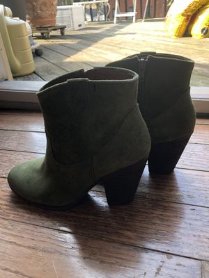 Vince Camputo Stacked Heel Ankle Boot Moss Green Suede Size 7 1/2M Never Worn for Sale in Pittsburgh, PA