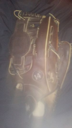 """Steeles vintage 14"""" baseball glove for Sale in Cleveland, OH"""