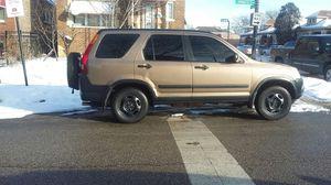 Honda crv 2WD año 2002 tiene 125 mil millas 4 cilindros automatic for Sale in Chicago, IL