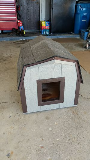 Deluxe Dog House for Sale in Schaumburg, IL