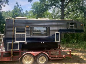 Camper for a truck within g wring with it for Sale in Farmerville, LA