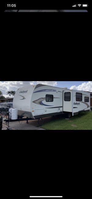 2011 keystone outback 268rl for Sale in Pembroke Pines, FL