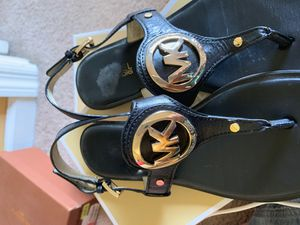 Sz 8 Michael Kors black Sandals Great Condition for Sale in Murfreesboro, TN