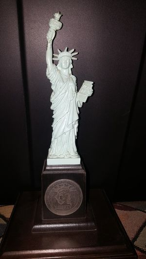 Statue of liberty for Sale in San Bernardino, CA