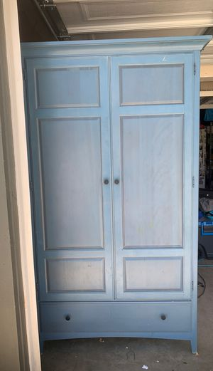 Thomasville armoire for Sale in Palmdale, CA